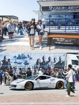 「LinQ」桃咲まゆ&福山果奈、「ワイスピ」劇中車を前に「ドミニクの隣に乗りたい!」