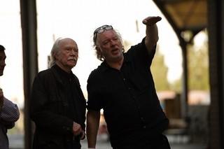 ボルフガング・ベッカー監督(右)と イェスパー・クリステンセン「僕とカミンスキーの旅」