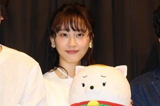 空耳エピソードで場内を笑わせた松井玲奈「笑う招き猫」