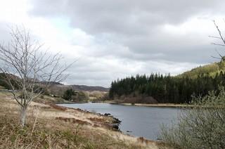 美しい湖を数多く有するスノードンで 監督たちはキャンプ生活を満喫「キング・アーサー」