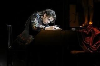 """音楽家モーツァルトの""""夭逝の真相""""に迫る 前回上演時の模様、写真提供:東宝演劇部"""