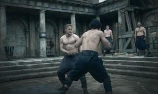 チャーリー・ハナムは筋肉を9キロ増量「キング・アーサー」