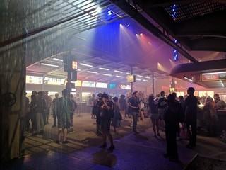 「ブレードランナー 2049 エクスペリエンス」 では酸性雨の降る近未来のロサンゼルスを再現「ブレードランナー」
