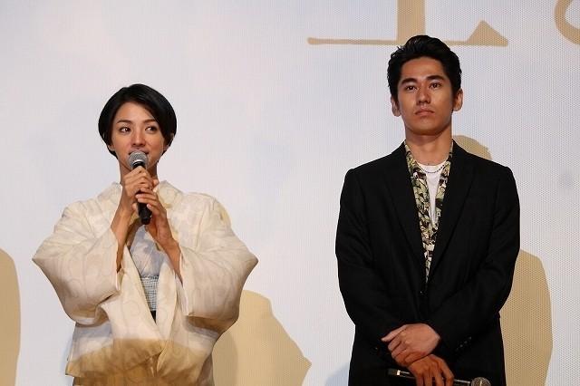 """満島ひかりは""""女優になるために生まれた"""" 永山絢斗と共演「海辺の生と死」封切り"""