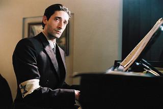 実在のユダヤ人ピアニストに扮した エイドリアン・ブロディ「戦場のピアニスト」