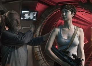 撮影中のスコット監督(写真左)