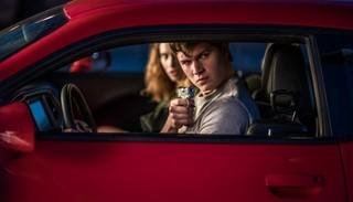 キャスト自身が運転するシーンも「ベイビー・ドライバー」