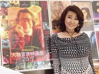 インタビューに応じた秋吉久美子「異人たちとの夏」