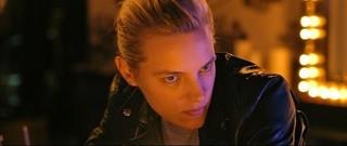 「アンダー・ハー・マウス」で女優デビュー を果たしたエリカ・リンダー「アンダー・ハー・マウス」