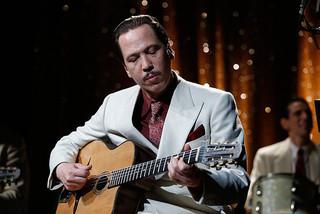 パリを沸かせた天才ギタリスト「永遠のジャンゴ」