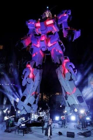 お台場に完成したユニコーンガンダム立像「機動戦士ガンダム 逆襲のシャア」