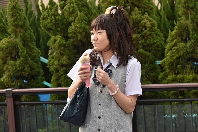 """新垣結衣が""""ガングロギャル""""に!?「ミックス。」衝撃の七変化ビジュアル披露"""