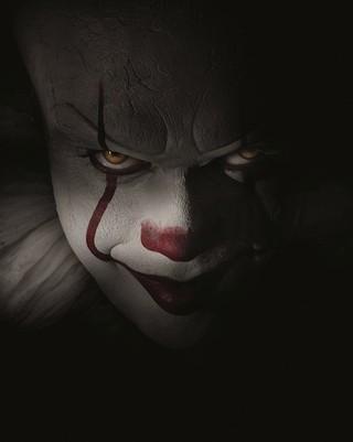 """恐怖のピエロを演じたのは ビル・スカルスガルド「IT イット """"それ""""が見えたら、終わり。」"""