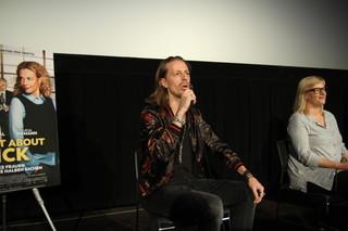 俳優のフレドリック・ワーグナー(左)とプロデューサーのベッティーナ・ブロケンパー