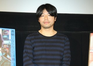 登壇した石井裕也監督「映画 夜空はいつでも最高密度の青色だ」