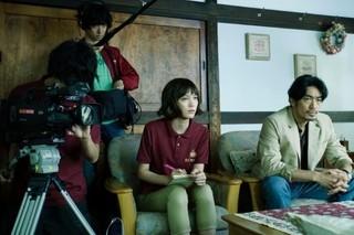 「白夜行」の深川栄洋が総監督を務める「チェイス!」