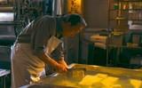 小林稔侍が豆腐職人になりきる 「星めぐりの町」本編映像公開
