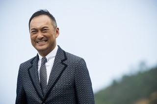 探偵に扮する渡辺謙「GODZILLA ゴジラ」
