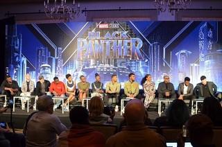 マーベル新ヒーローたちが記者会見「ブラックパンサー」