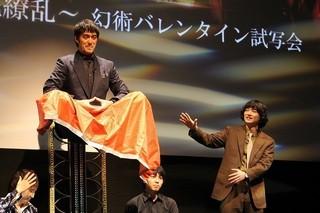 染谷将太と阿部寛「空海 KU-KAI 美しき王妃の謎」