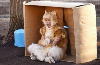 """「撮影初日からいきなり""""猫""""だった」「トラさん」"""