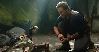 4月17日は「恐竜の日」!!「ジュラシック・ワールド 炎の王国」