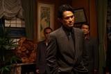 """江口洋介""""男の魅力""""全開!初の極道役に挑んだ「孤狼の血」場面写真披露"""