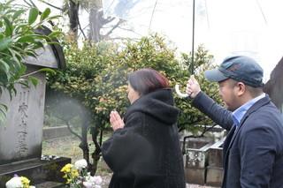 阿佐田哲也氏が眠る谷中墓地を訪れた