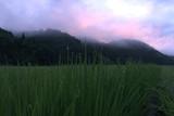 天に栄える村