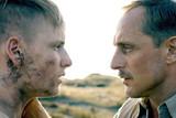 ヒトラーの忘れものの映画評論『白砂の海岸、地雷、少年兵。詩情あふれる映像で戦争の理不尽を伝える』