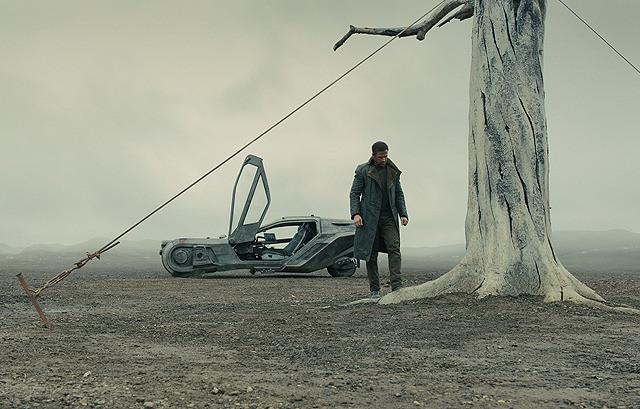 ライアン・ゴズリングの「ブレードランナー 2049」の画像