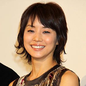 笑顔の石田ゆり子