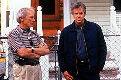撮影中、ティム・ロビンス(右)と