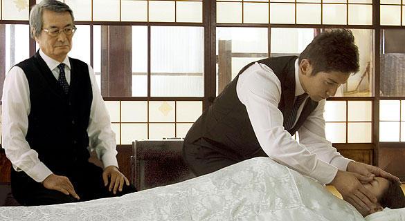 「納棺師をやりたい」という主演・本木雅弘の提案から始まった本作