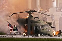 """ホワイトハウス敷地内で""""破壊""""の数々が巻き起こる"""