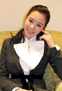 """""""最もボディラインの美しい女性""""と韓国で人気のキム・アジュン"""