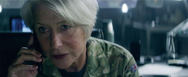 英米合同作戦の指揮官を演じるミレンのほか、名優たちの演技が緊迫感を高める!