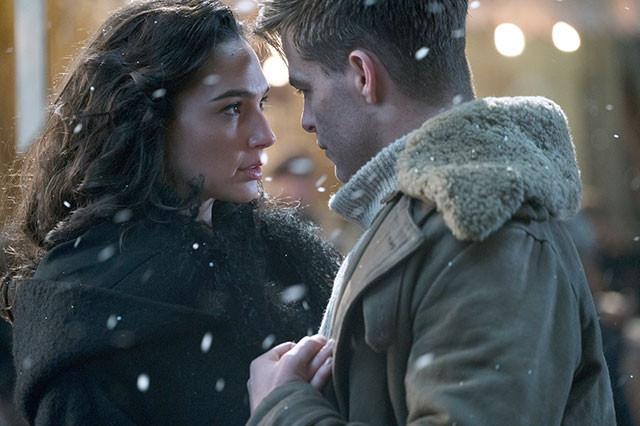 ヒーロー・アクションであると同時にラブ・ストーリー! ふたりの思いにときめく