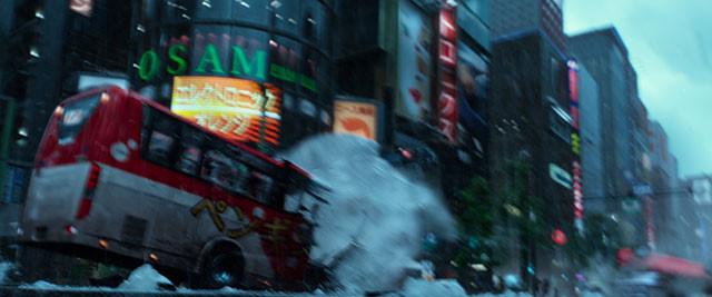 オレたちの知っている銀座が大パニックに! 空から降り注ぐひょうが街を破壊しつくす