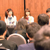 「ラブライブ!」三森すずこ、徳井青空がAFAステージに登壇!現地メディアの熱い取材に応じる