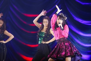 水樹奈々、4度目の座長公演「水樹奈々大いに唄う」 MV集の発売や東京ドーム公演のタイトルなども発表