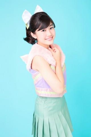 中学生アイドル・花谷麻妃の「くまみこ」主題歌、先行上映会で初ライブ披露決定