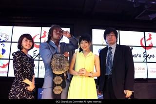 左から、MC 宮川光彩、新日本プロレス 内藤哲也、声優 徳井青空、株式会社ブシロード代表取締役社長 木谷高明