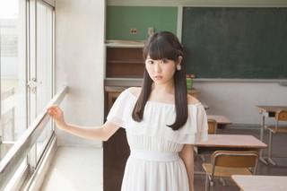 東山奈央、星空輝くプラネタリウムで2ndシングル「イマココ/月がきれい」発売記念イベント