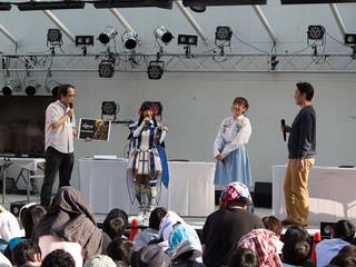 左から、音響監督の納谷僚介氏、大野柚布子、高田憂希、集英社・足立聡史プロデューサー