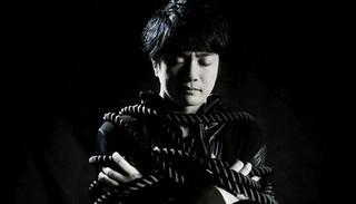 福山潤、2ndシングル「Tightrope」のMV公開 福山を縛ったロープをリリイベで配布