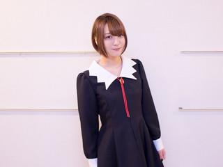 「となりの吸血鬼さん」で念願の吸血鬼を演じる富田美憂 少女との同居で、徐々に温かみをおびる声
