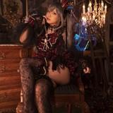 インタビュー第1弾に続き冬コミ衣装をお披露目。 今回は写真集「Trick or Treat? 」の衣装!
