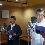 アフレコに臨む藤村忠寿(左)と嬉野雅道