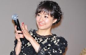 第25回東京国際映画祭での舞台挨拶 ハプニング後も笑顔を絶やさず